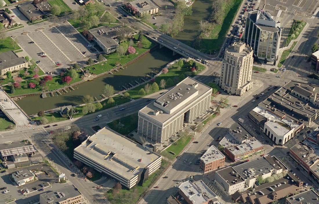 Macomb County Building Image