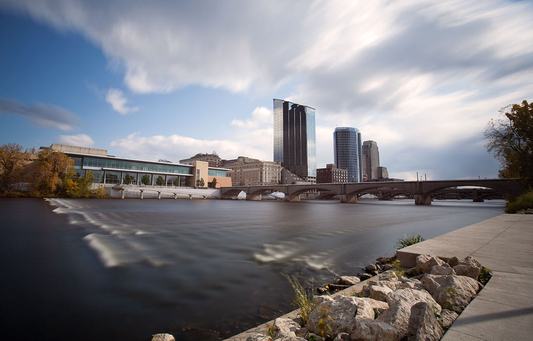 Photo of Grand Rapids, Michigan, USA, water and city buildings in the background